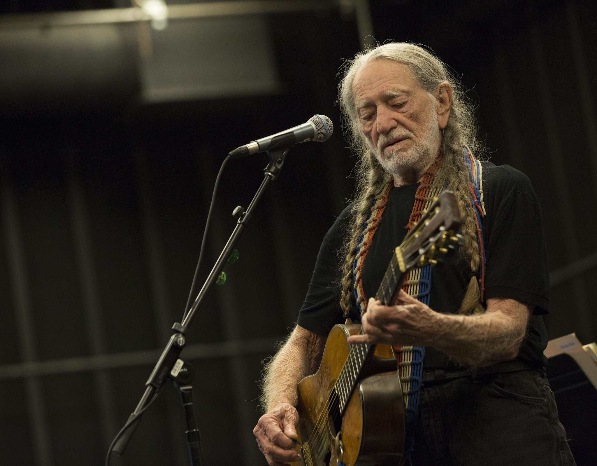 Hear @WillieNelson's wonderful new uptempo rambler 'Me And You' https://t.co/jkWoSbTPUI https://t.co/3A2b4w5a0w