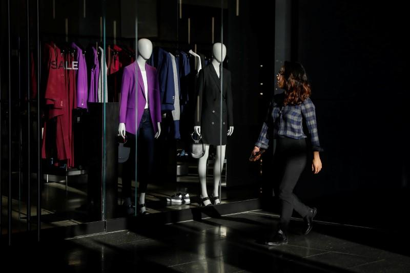 U.S. retail sales falter; underlying producer prices rise solidly https://t.co/f9cItSij3D https://t.co/WYZh1H8FDp