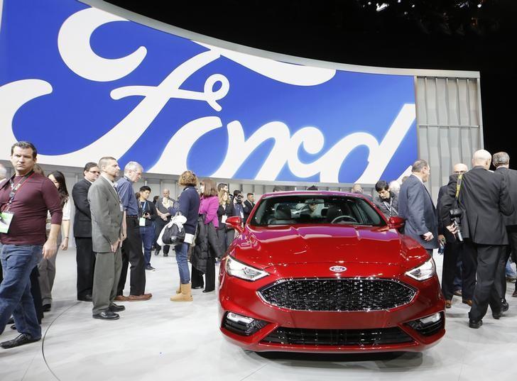 Ford recalls 1.38 million vehicles for loose steering wheel bolts https://t.co/lSBQ3nJ42d https://t.co/UhD6K0mDyn