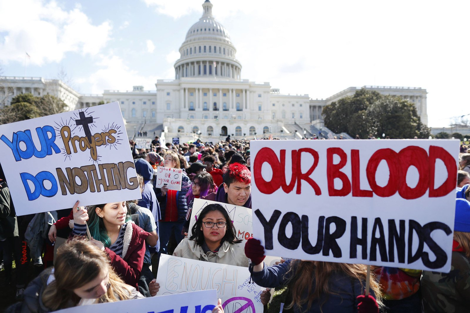 These are the most powerful photos from the student walkouts https://t.co/SEO63ni1CU #NationalWalkoutDay https://t.co/S0s0O7HMnr