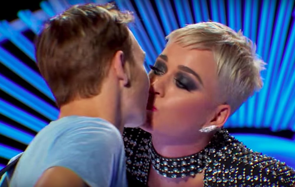 'American Idol' contestant says unwanted kiss from Katy Perry was 'uncomfortable' https://t.co/5c03jguy3S https://t.co/mIOBfzQNwe