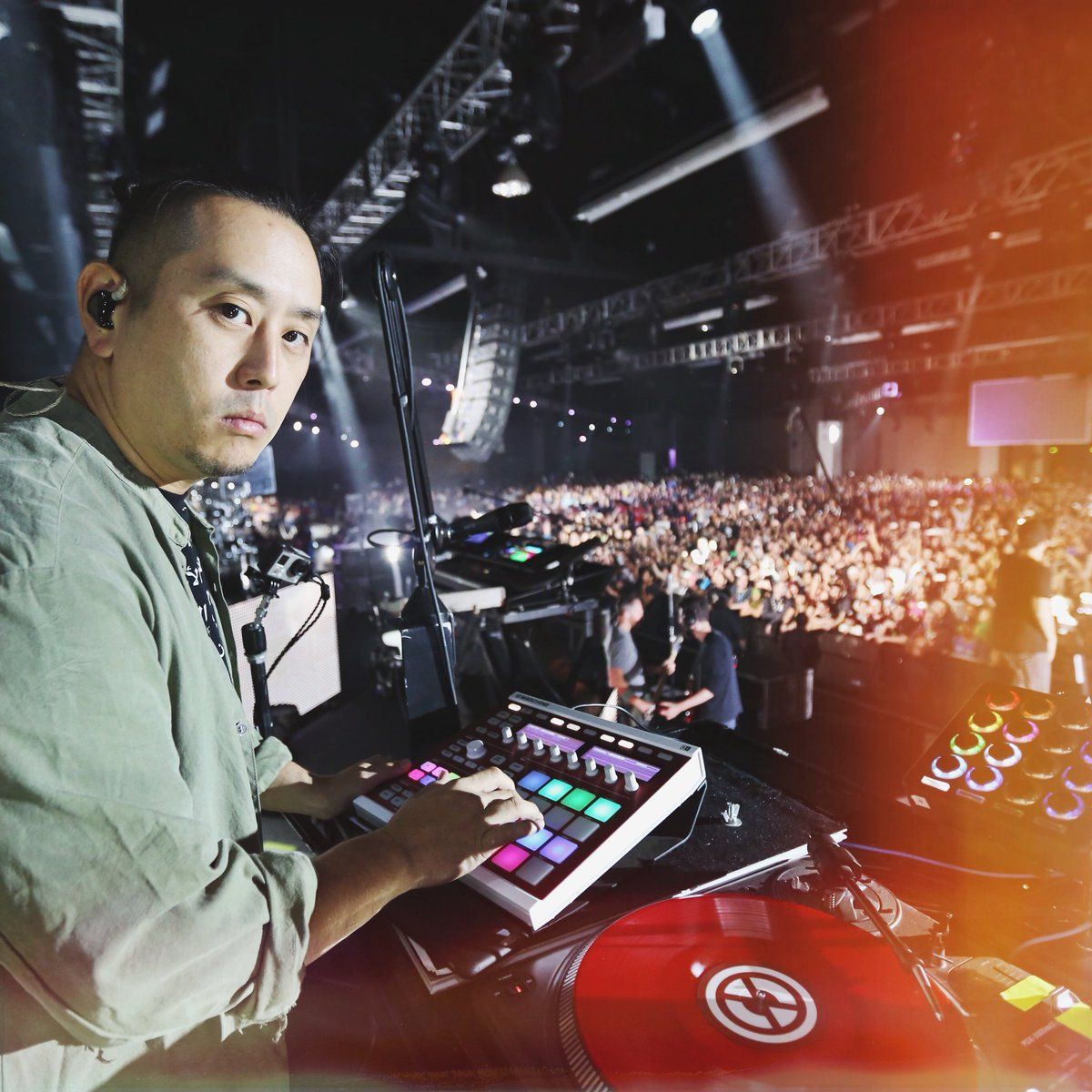 Happy Birthday @joehahnLP https://t.co/OizwnS6NSa
