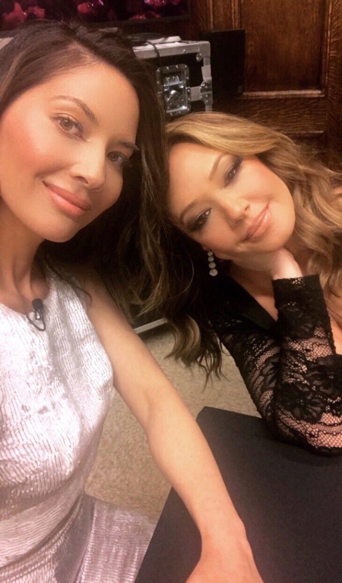 Spent an amazing and inspirational evening with this warrior @LeahRemini and our @AETV @HISTORY channel families. https://t.co/kzh14QEaJo