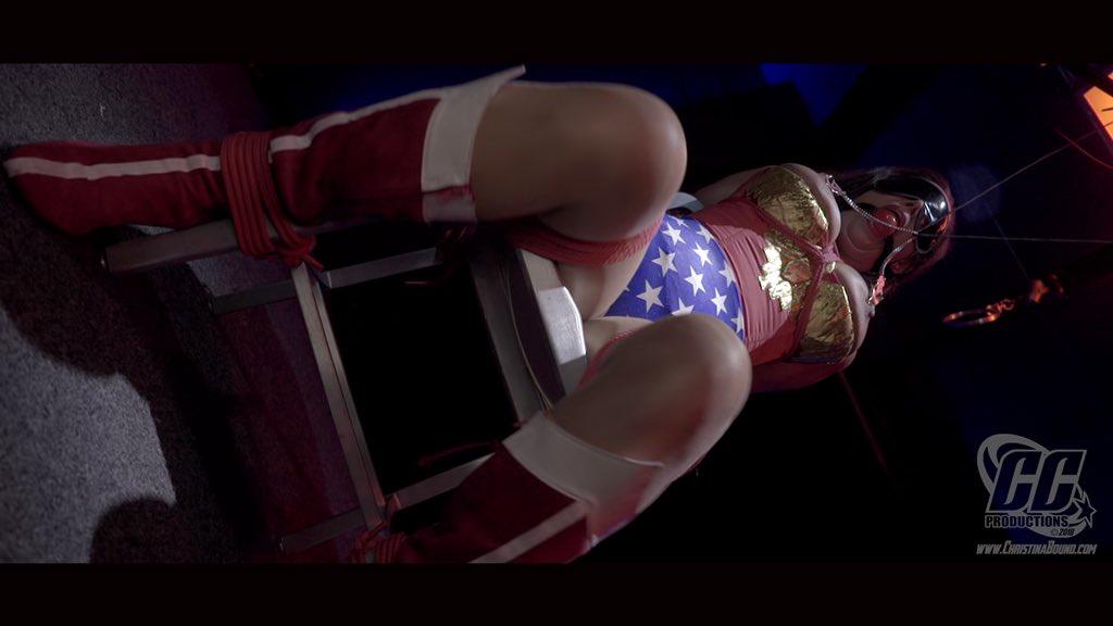 3 pic. Releasing tomorrow...part 1...#wonderwoman #bondage #bdsm #cosplay r1wUUZsmuf