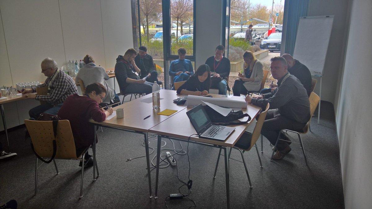 Inspiriert vom Workshop bei #IB_SBC von @Katha_Pe ein #WOL Kickoff in den #PASK Open Spaces bei @1und1 https://t.co/jg4vYE4KIF