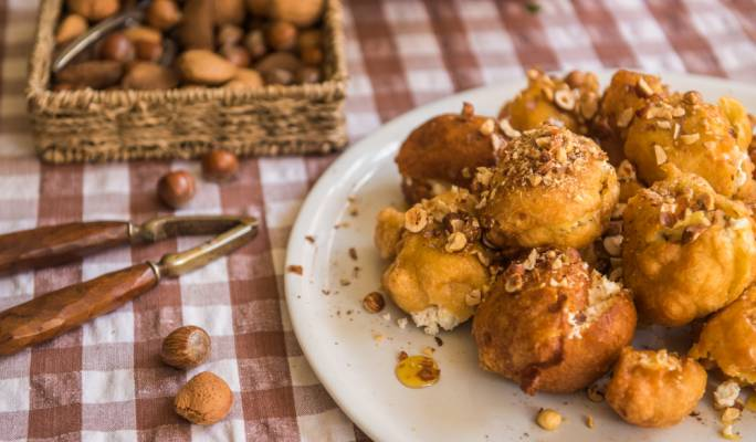 [WATCH] Craving Zeppoli this weekend? Pippa Mattei's got you covered