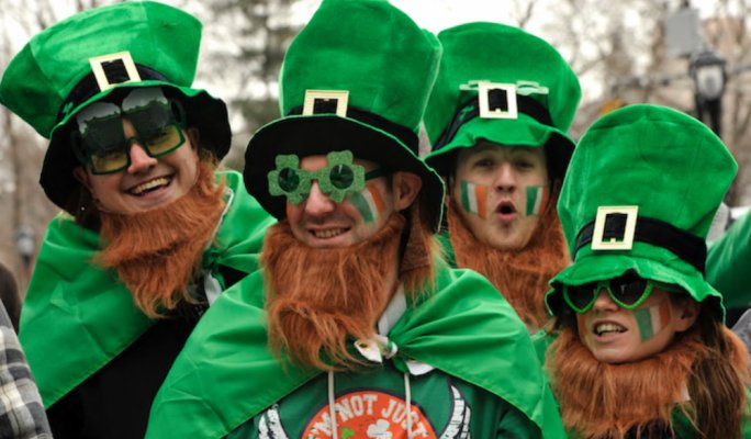 Play with Yobetit this St.Paddy's and paint the town green!