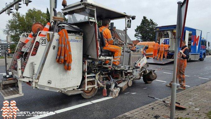 Nachtafsluiting Nieuweweg voor spoedreparatie asfalt https://t.co/zR2ZhdaJNE https://t.co/6nMPZkMDtY
