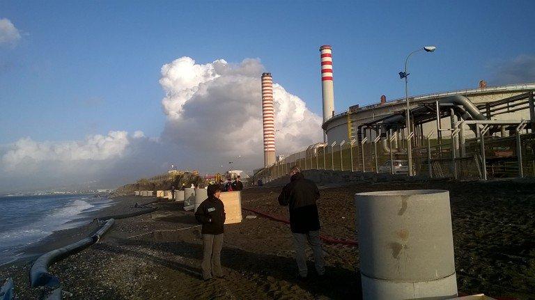 test Twitter Media - Rilascio di #idrocarburi lungo tratto di #mare su cui affaccia la #raffineria di #Milazzo: sopralluogo ISPRA e @ARPASicilia consente di verificare efficacia delle prime misure di messa in #sicurezza. Non rilevate chiazze evidenti di prodotto idrocarburico. https://t.co/7F01dToHv4 https://t.co/6AEzzSLaQx