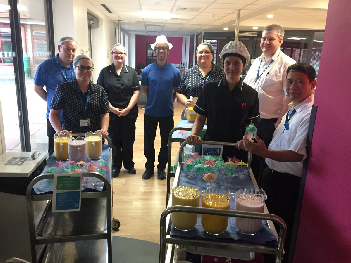 Our catering team delivered fresh fruit smoothies to patients and staff for #NutritionandHydrationWeek https://t.co/w72vt6Qaqe