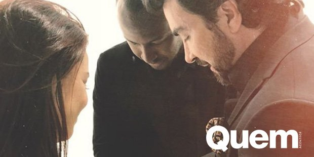 Fernanda Souza. Foto do site da Quem Acontece que mostra Fernanda Souza e Thiaguinho ganham bênção de padre Fábio de Melo.