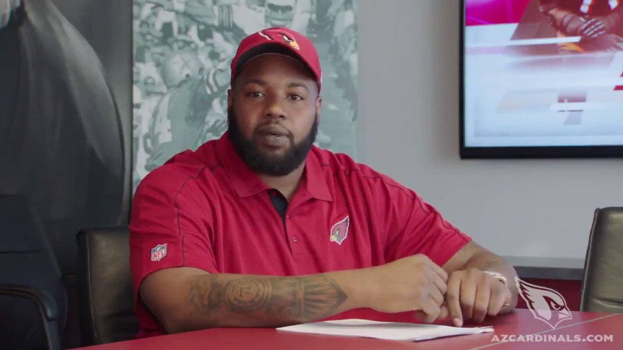 OL @BigSmitty71 is happy to be here!  RT to give him a BIG welcome to AZ!  #BeRedSeeRed https://t.co/s0TG4O4ul1