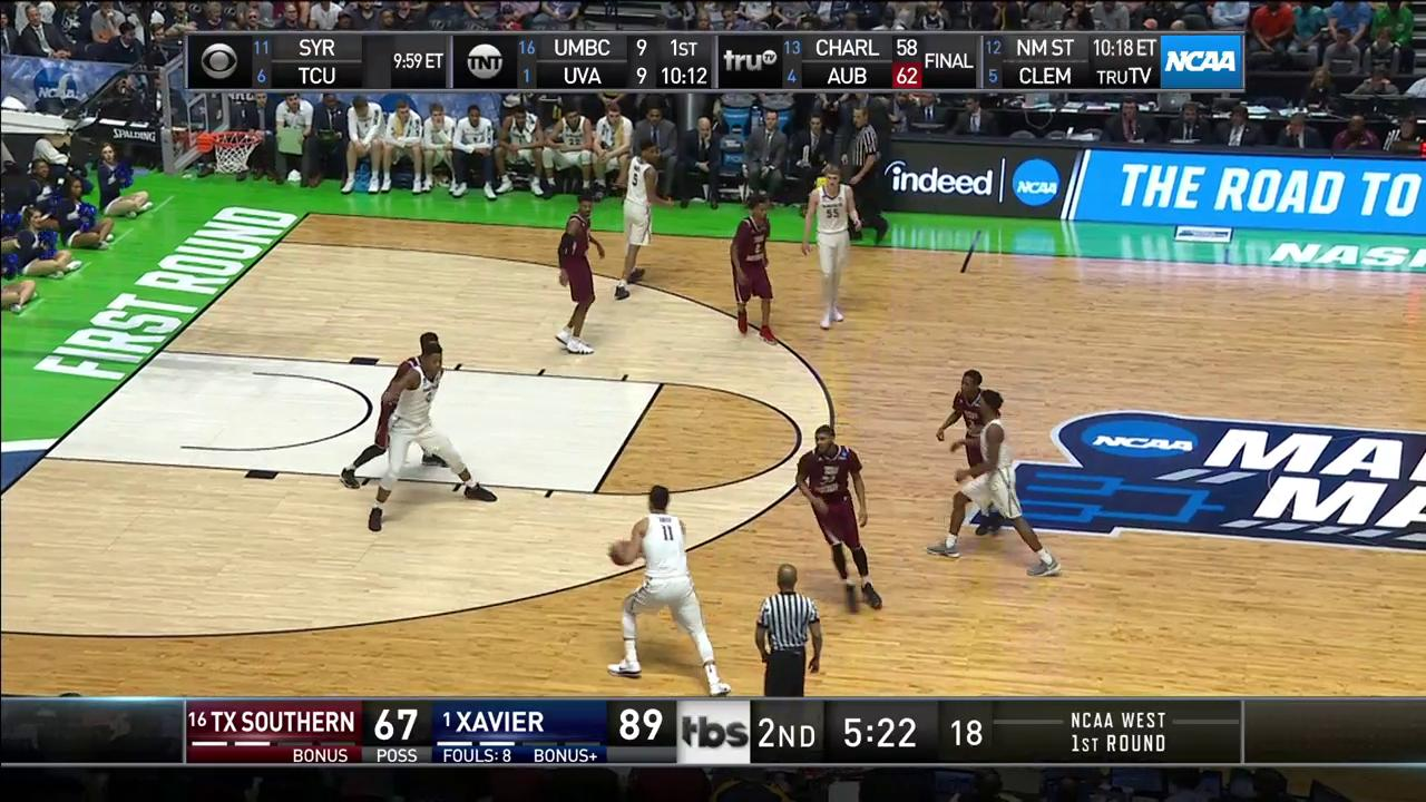 Have you ever seen your brother pull a Rondo before, @Enes_Kanter?   #MarchMadness https://t.co/KiYSPf9uyW