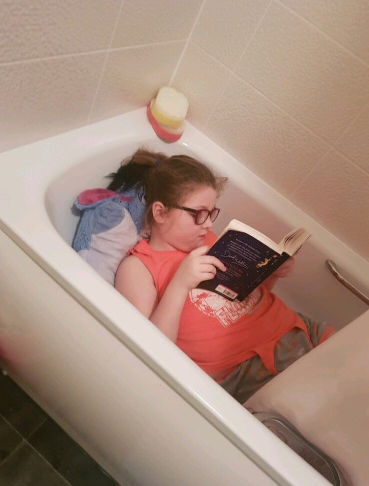 Annie has found the perfect spot for some extra reading... #getknowsleyreading https://t.co/ohmz4GLJVs
