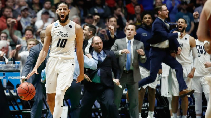 test Twitter Media - Caleb Martin lost his damn mind in Nevada's overtime win against Texas: https://t.co/coLZHjVYs9 https://t.co/jPI9DgR7iY