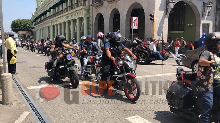 "Numeroso grupo de Motociclistas participaron en la ""Rodaba por La tuberculosis"", enXalapa https://t.co/kaK3vwsmIa https://t.co/IyqiMWow3Q"