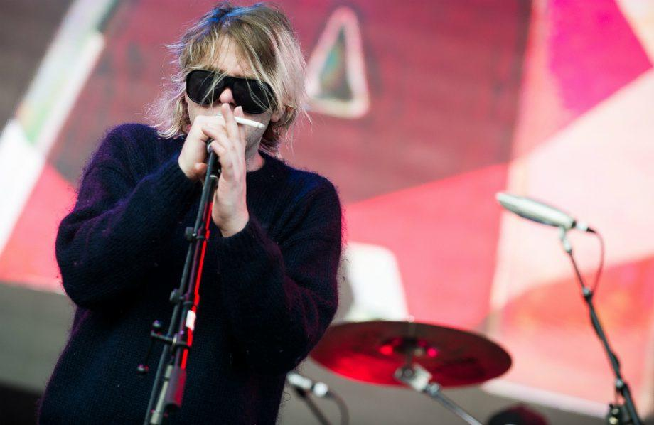 Ariel Pink shares new video for 'Acting' https://t.co/WXg0jdcceP https://t.co/4YcZHgM8bo