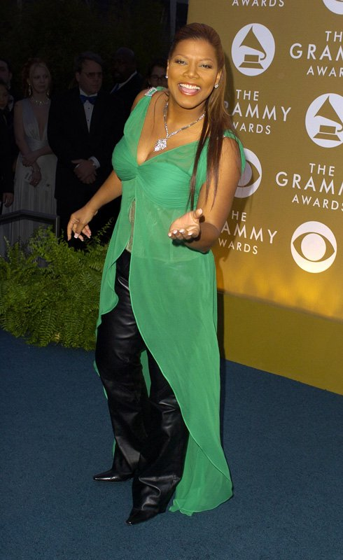 ???? Happy St. Patrick's Day fam!  ????: 2004 #GrammyAwards https://t.co/D9y9djav0q