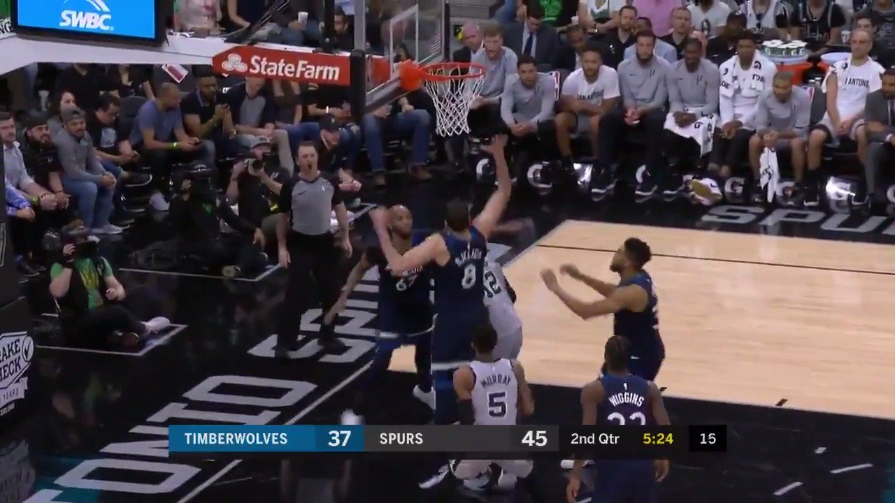 LaMarcus erupts for 18 in the 2nd Q @NBATV  #GoSpursGo https://t.co/cpusB4yTpc