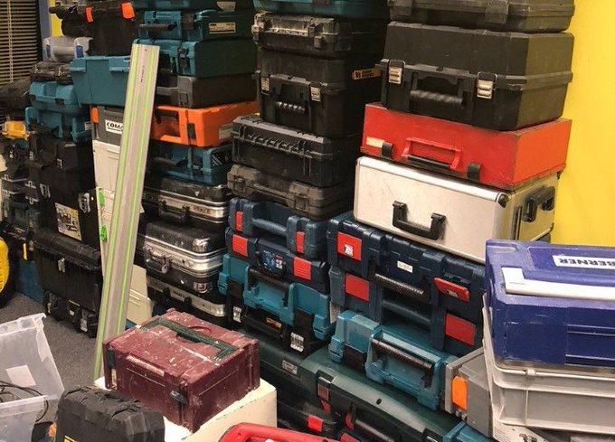 Grote hoeveelheid gestolen gereedschap gevonden https://t.co/7bUnBf5fqs https://t.co/8BuY9gmIwP