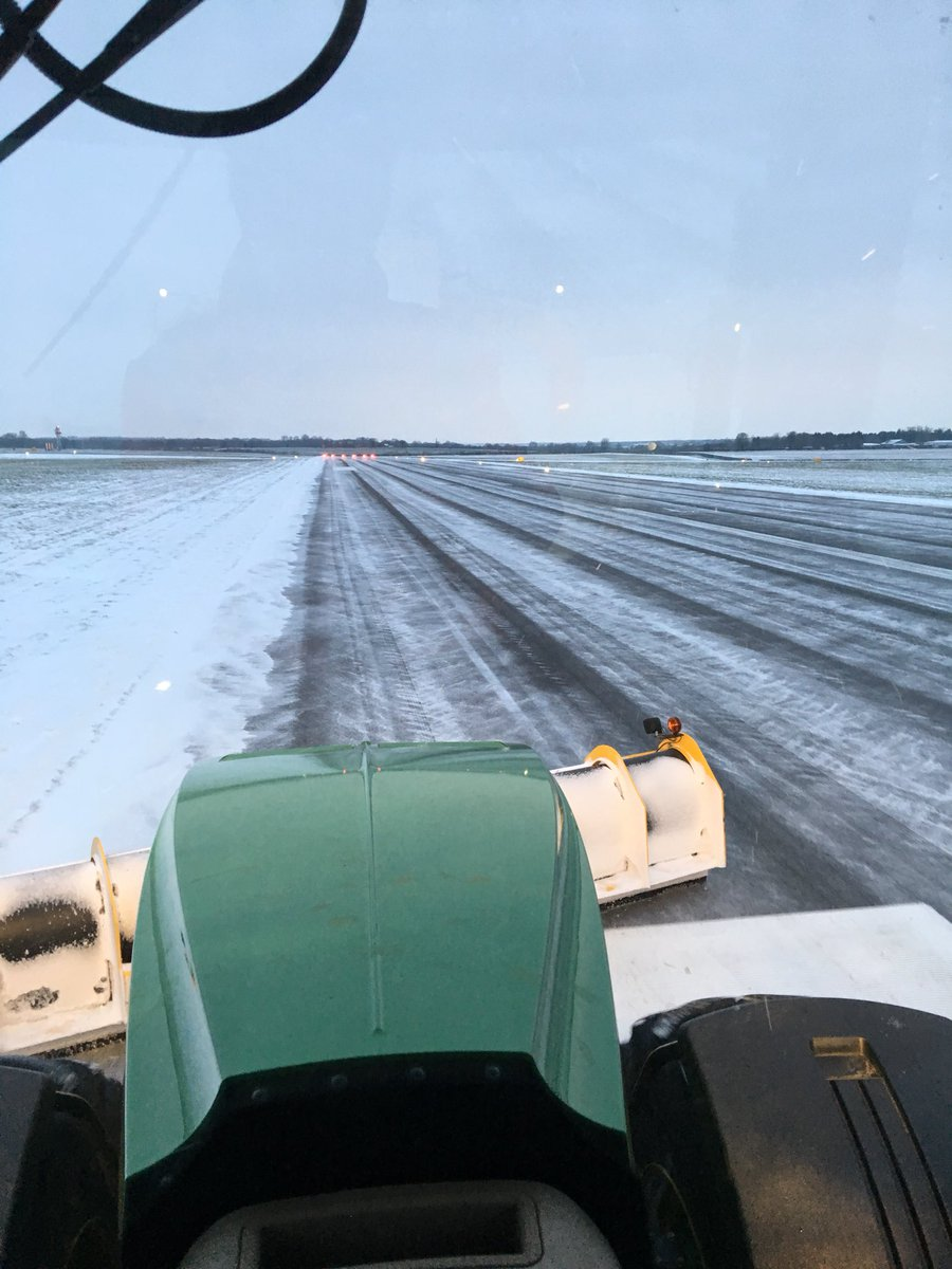 test Twitter Media - That's part 2 taken care of again this morning. Great picture from one of the air traffic controllers of the big plough and brush going up the runway @LOXOXFEGTK https://t.co/OPGpRIf2CR