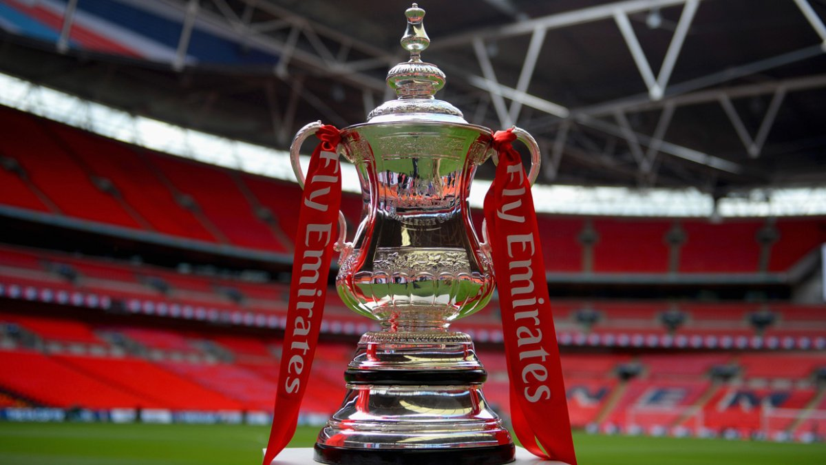 Official: Manchester United will play Tottenham at Wembley in the FA Cup semi-final. https://t.co/1hXDvTBOdO