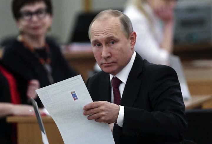 @BroadcastImagem: Sem rivais e perto do recorde de Stalin, Vladimir Putin poderá ganhar mandato até 2024. Sergei Chrikov/AP