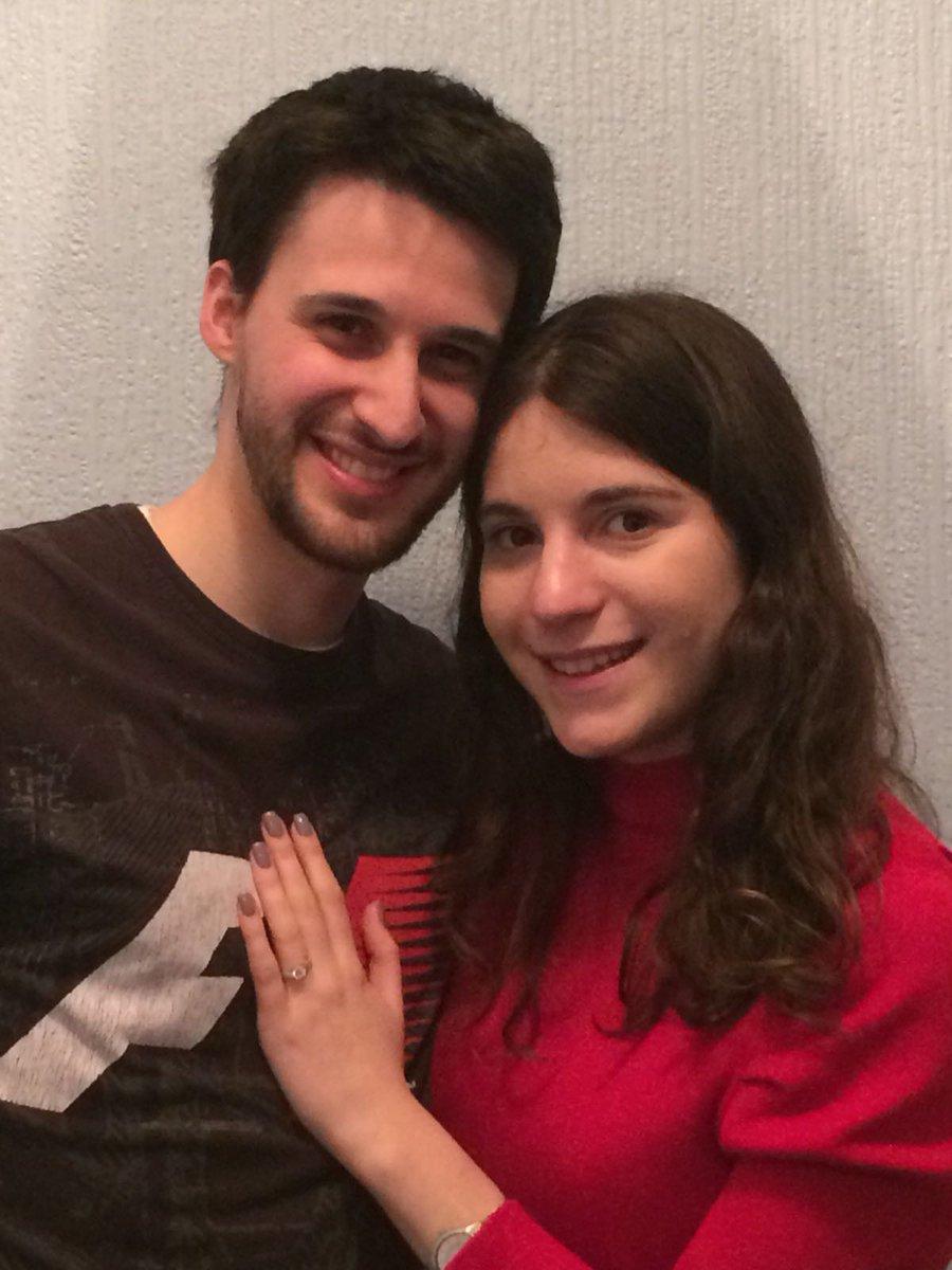 RT @rebeccalane0525: Most incredible day! Got engaged! #chemist #physicist #phdlife #teacherlife #WeddingPlanning https://t.co/tDR6Es5s9j