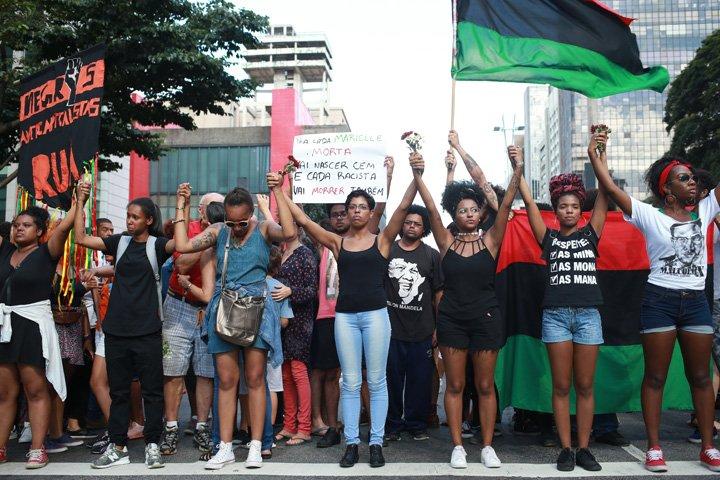 @BroadcastImagem: Ato em homenagem à vereadora Marielle Franco na Avenida Paulista, em SP. Tiago Queiroz/Estadão