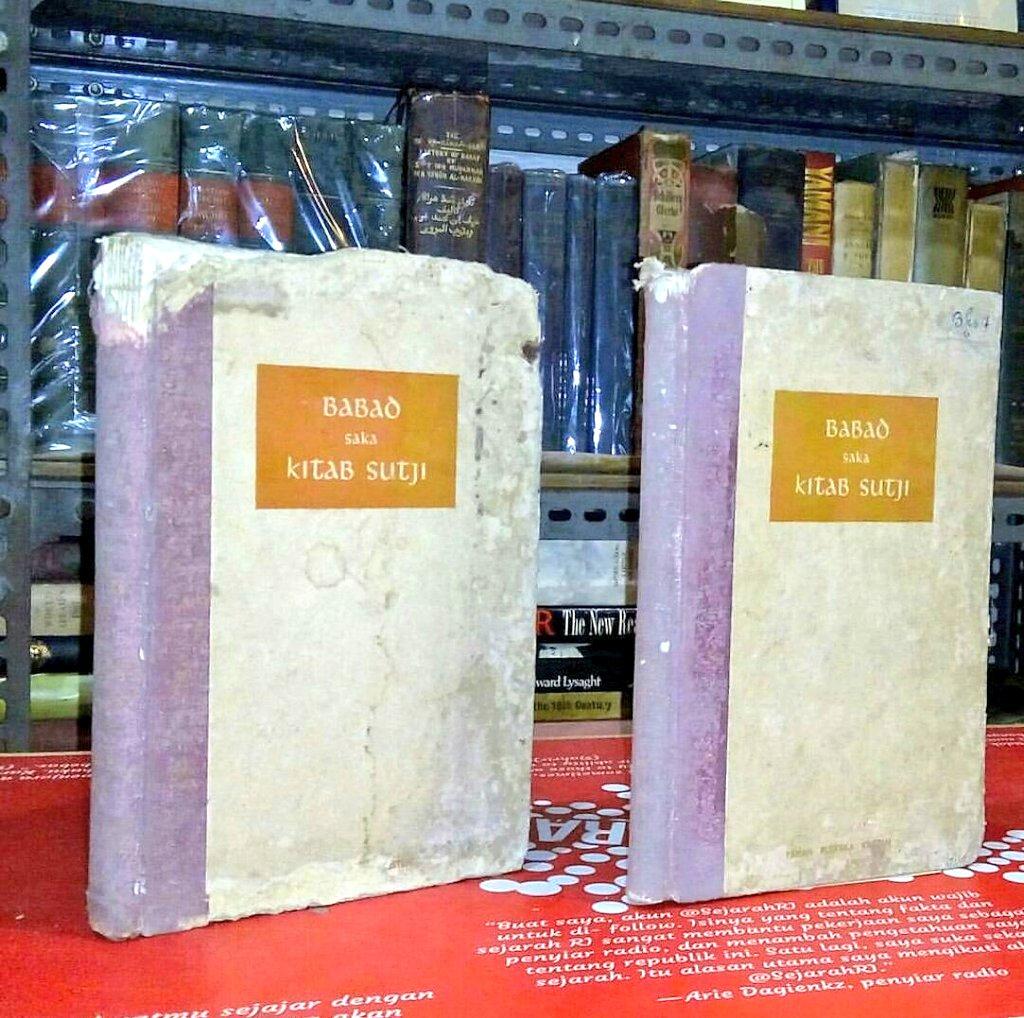 Buku Langka> Babad Saka Kitab Sutji (Injil). Tahun 1955. 2 jilid. Hardcover. Harga 450.000. Minat? https://t.co/IFskT8MRcg