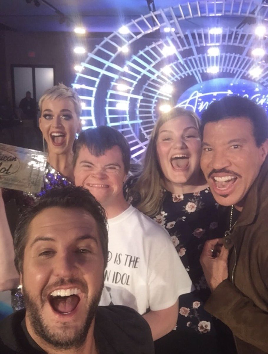 Your voice is as big as your ❤, @maddiezahm #AmericanIdol https://t.co/M8W7XYCZzN