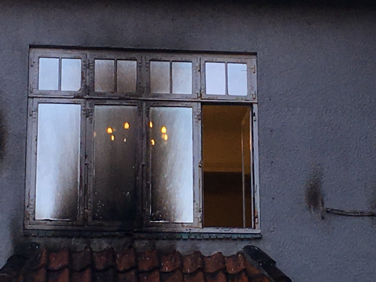 test Twitter Media - Fire molotovcocktails blev kastet mod ambassade i Hellerup https://t.co/cms7Yv6Zrh https://t.co/cHoThrjvyI
