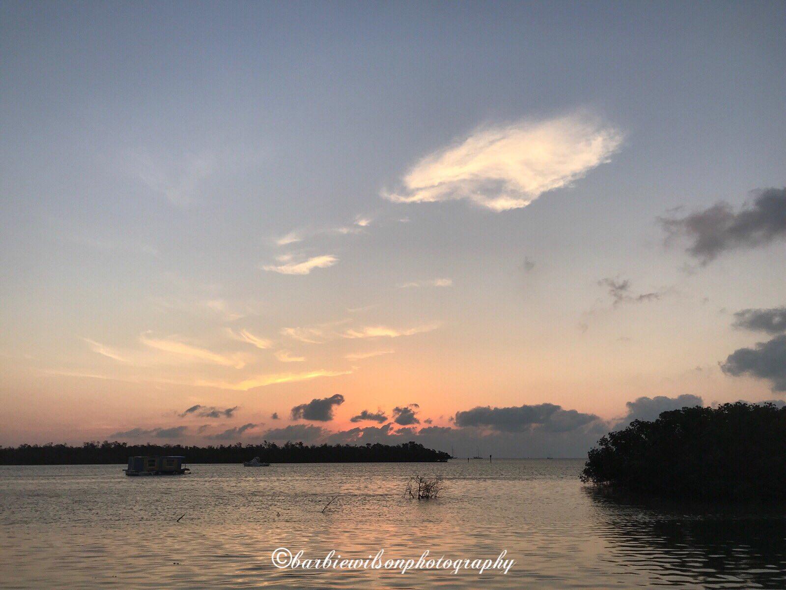Pretty pastels start Monday off just right! Gm! #keywest #sunrise https://t.co/ADq39LyILy