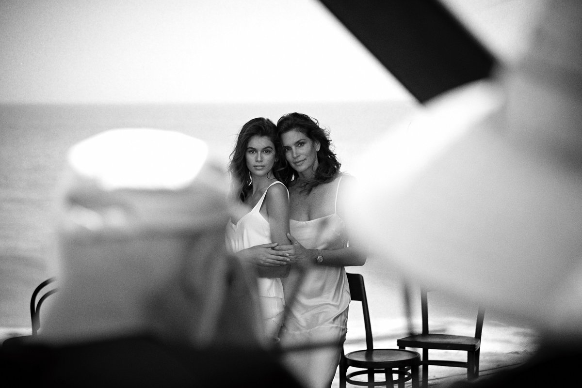 RT @peterlindbergh: Kaia Gerber & Cindy Crawford, Malibu, 2017 - Photo by Jeremy Brodbeck https://t.co/JjSqMtBn1e
