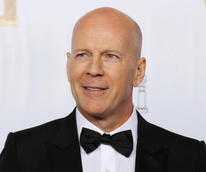 On this 1955, the amazing actor Bruce Willis was born in West Germany. Happy Birthday Mr. Die Hard!