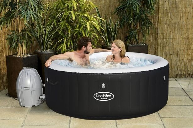 Hot tub price war is back for 2018 - and this year it's B&M kicking things off https://t.co/UHbte8SBfb https://t.co/cBH164upcu