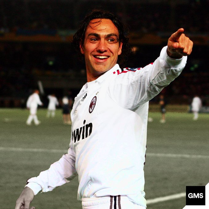 Happy birthday to one of the greatest defenders to grace football, Alessandro Nesta!
