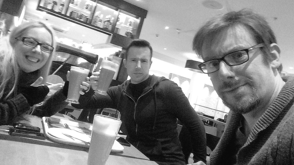 Chilling out in Costa with @StephStoneFilm & @rossagrant https://t.co/gZ0QfyEoeE