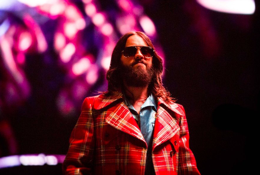 RT @wwd: .@JaredLeto rocks plaid @Gucci coat at @30SECONDSTOMARS' tour: https://t.co/vBW3hAhNkJ https://t.co/XP3jHtbOOv
