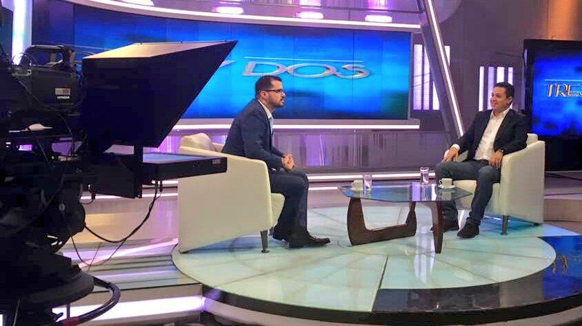 'A través de El Petro nos zafaremos de las cadenas impuestas por el imperio' #ElPetroFuturoDeTodos @NicolasMaduro https://t.co/TYI4D8UMQe