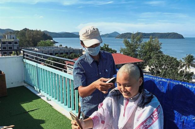 Bold girl goes bald to support cancer patients - Nation