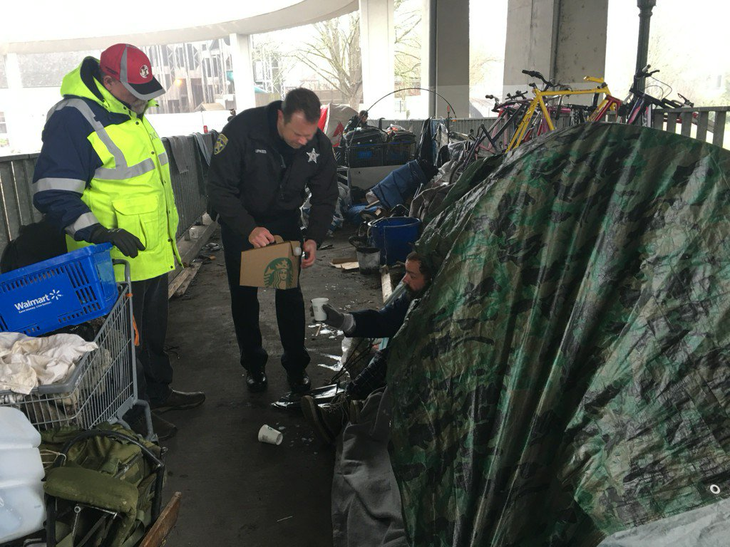 ODOT clears Salem homeless camp on pedestrian walkway