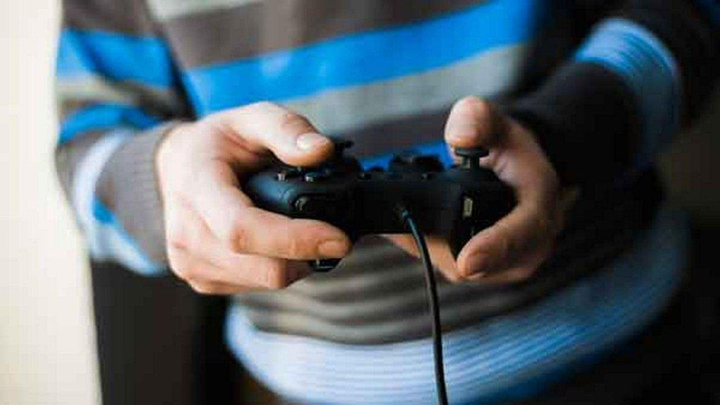 Girl dies after shooting over video game controller
