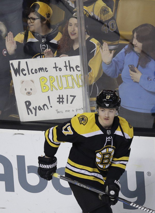 Ryan Donato shines in impressive debut with Boston Bruins (video)