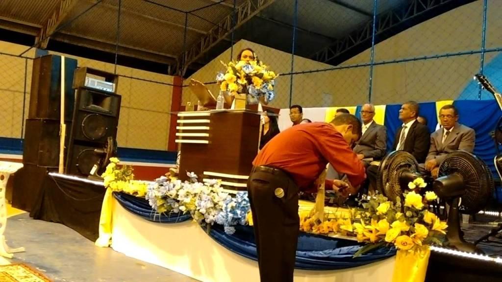 Isa reis grávida pregando naBahia https://t.co/Jrc5BYLvED https://t.co/Sg36mct2CX