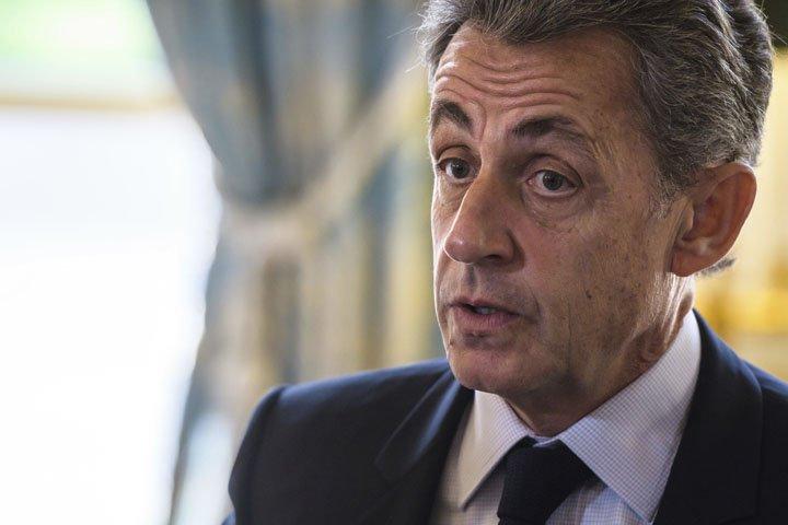 @BroadcastImagem: Sarkozy, ex-presidente da França, é detido por financiamento ilegal de campanha. Christophe Petit Tesson/AP