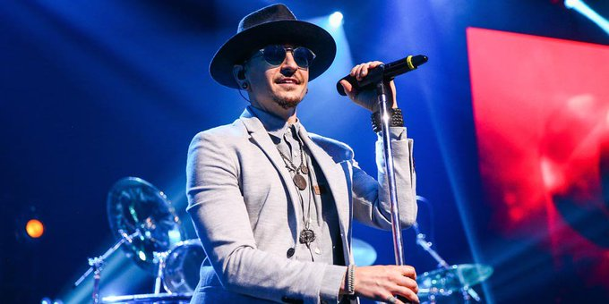 Hoy cumpliría 42 años Chester Bennington. Wherever you are, happy bday, legend.