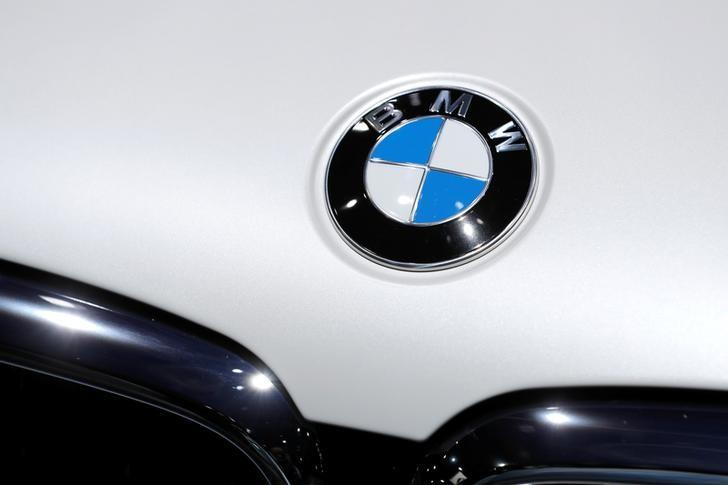 BMW searched by German police in emissions swoop https://t.co/ndbKon8fcH https://t.co/p0PIC0J2tj