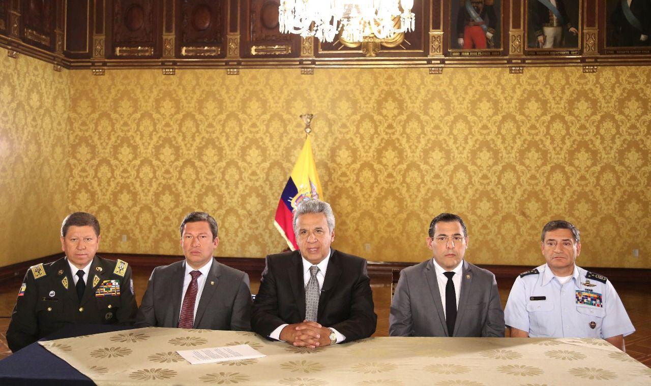 �� | Cadena nacional con el Presidente de la República, @Lenin Moreno » https://t.co/O1Q9Chisdk | #EcuadorPaísDePaz https://t.co/eY6TPLpAUW