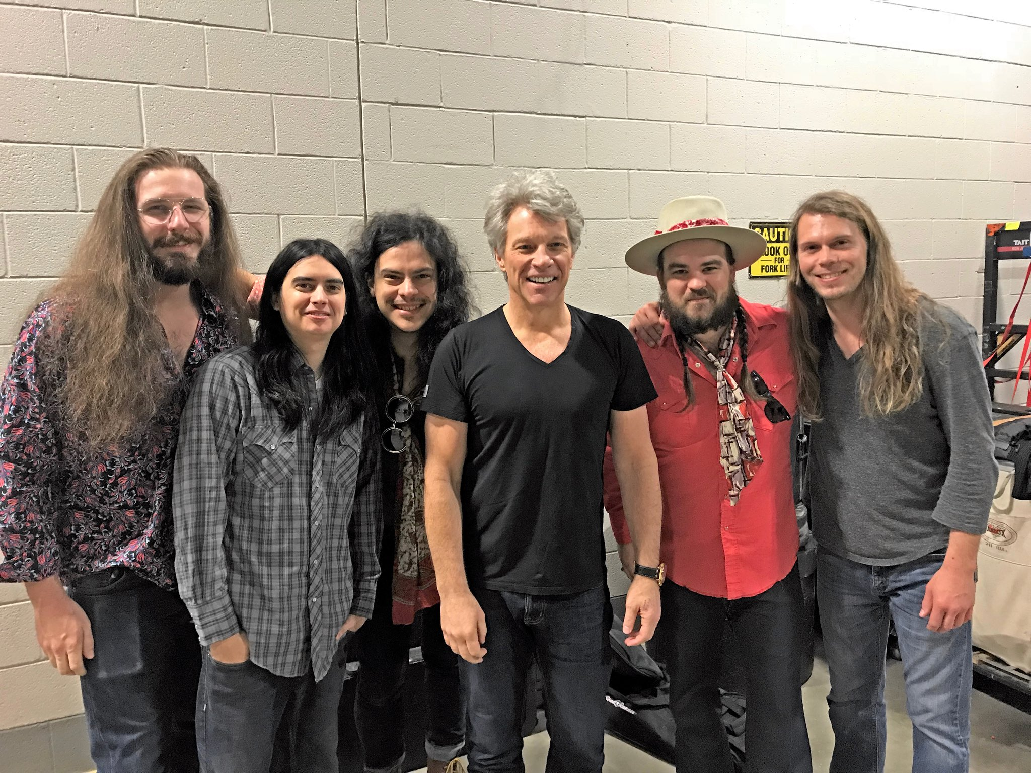 We had a great night, Little Rock! JBJ with opening act, @deFranceMusic + setlist �� #THINFStour https://t.co/8gyNaraRQZ